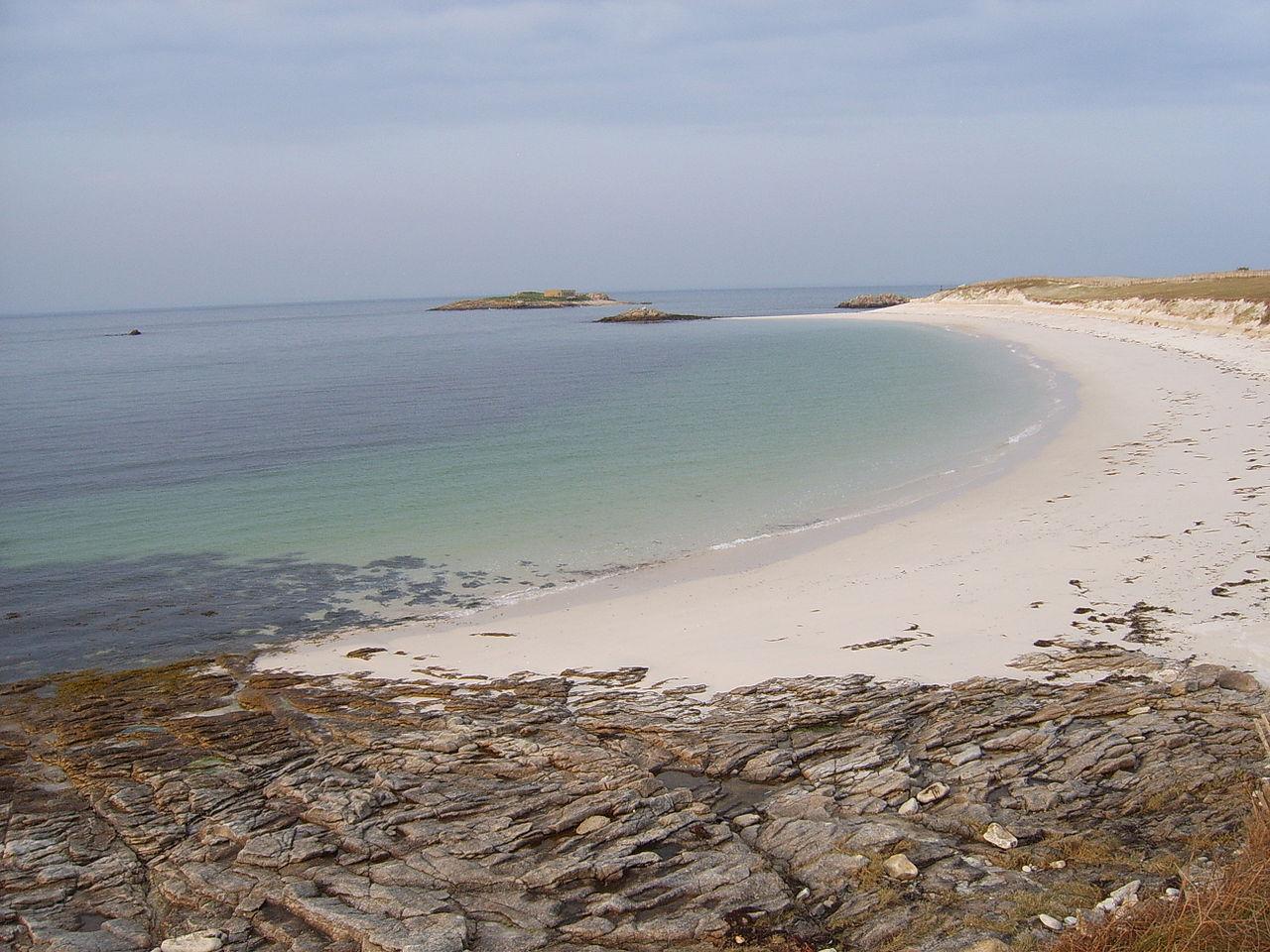 Plage de l'île Saint-Nicolas
