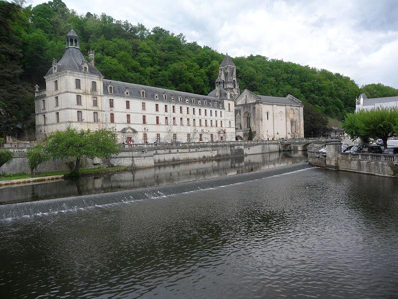 La ville de Brantôme Par Dimimis CC BY-SA 3.0 via Wikimedia Commons