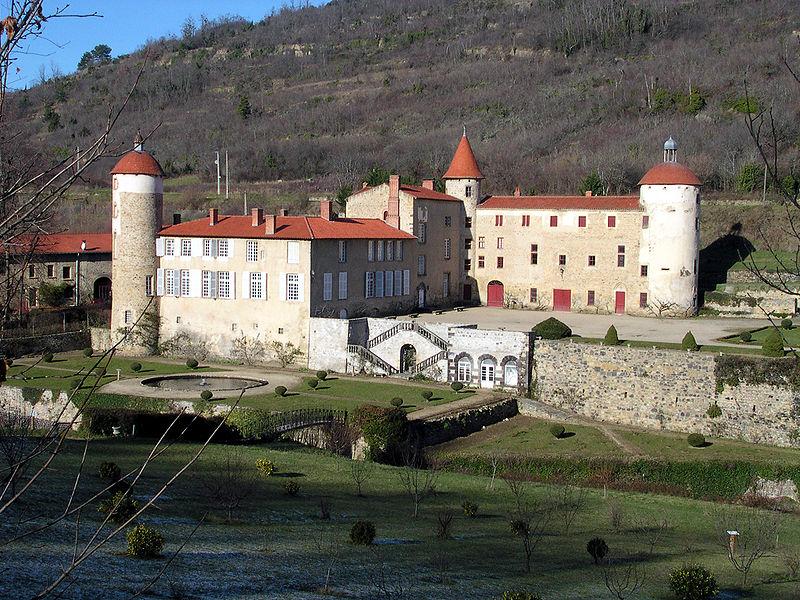 Château de la Batisse By Romary CC BY-SA 2.0 via Wikimedia Commons
