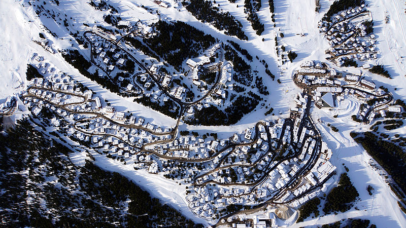 Courchevel By Nikgrech CC BY-SA 3.0 via Wikimedia Commons