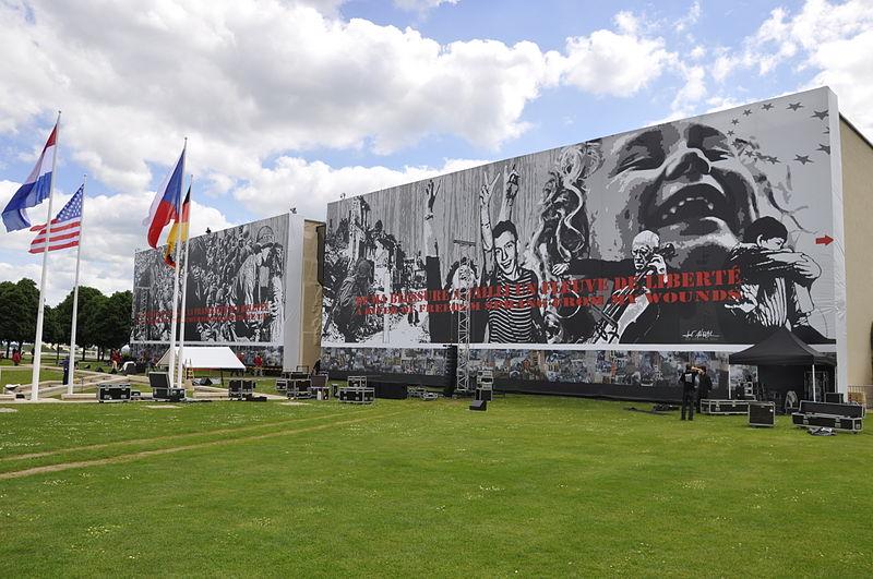 Le Mémorial de Caen Par Benoit-caen CC BY-SA 3.0 via Wikimedia Commons