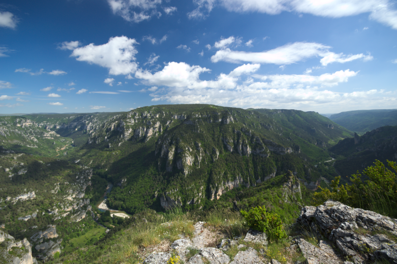 Point Sublime (Gorges du Tarn) By Valcraft (Own work) [CC BY-SA 3.0  via Wikimedia Commons