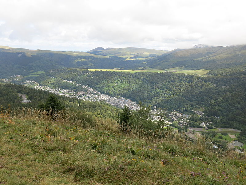 Le Mont-Dore By Tangopaso via Wikimedia Commons