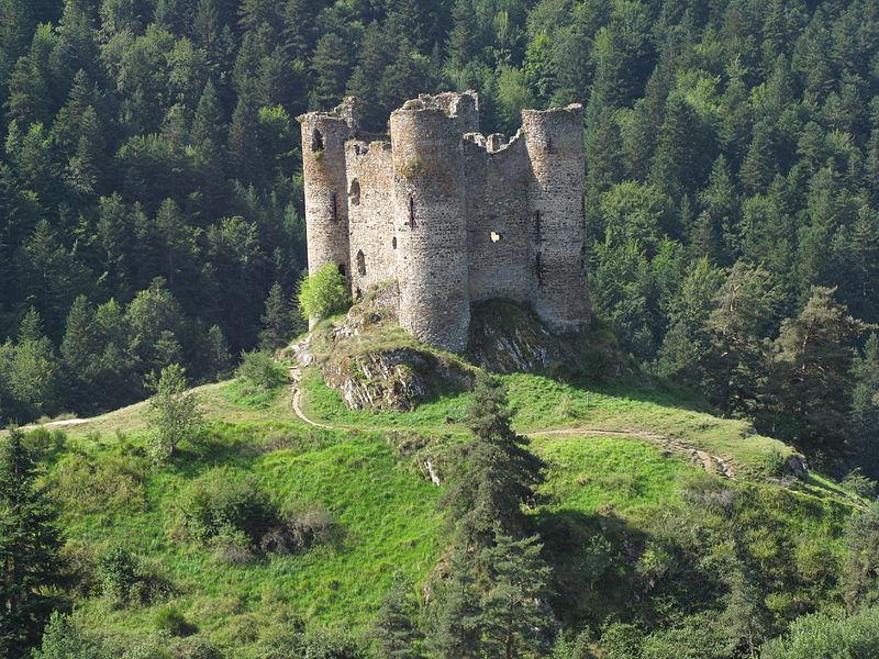 Château d'Alleuze By Freepius44 via Wikimedia Commons