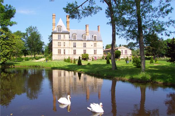 Château de la Guignardière By Stephanbloch via Wikimedia Commons