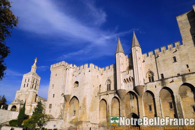 Centre historique d 39 avignon palais des papes for Ch d avignon