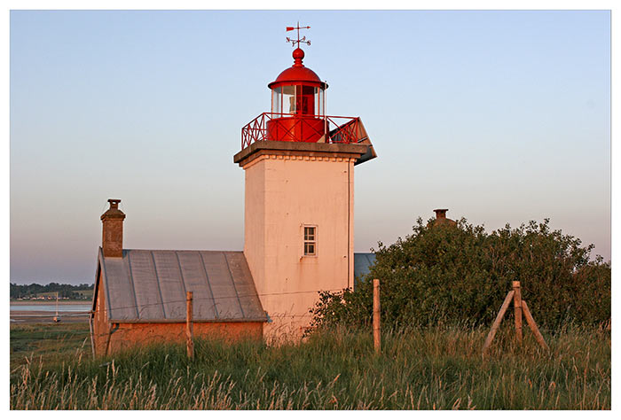 Phare de la Pointe D'Agon By XXCM CC BY-SA 3.0 via Wikimedia Commons
