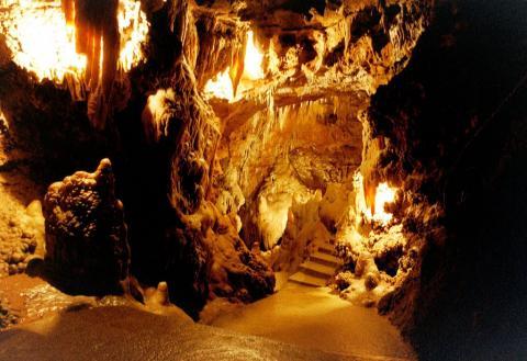 Les Grottes de Saint Cézaire