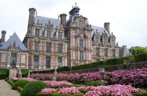 Château de Beausmenil By Stanzilla Public domain], via Wikimedia Commons