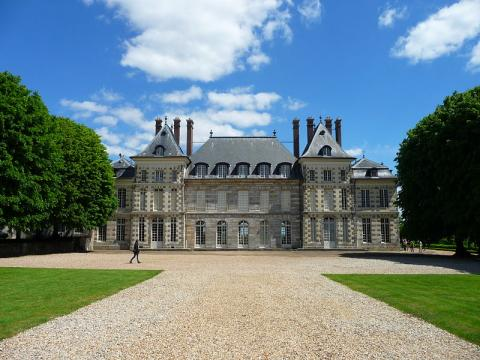 Domaine de Saint-Jean-de-Beauregard By GardienAncestral CC BY-SA 3.0 via Wikimedia Commons