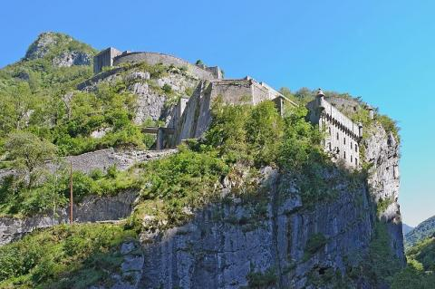 Fort du Portalet by Myrabella via Wikimedia Commons