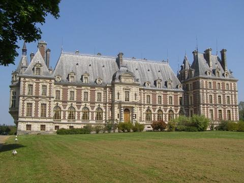 Château de Grammont Villersexel By Daniel CULSAN CC BY-SA 3.0 via Wikimedia Commons