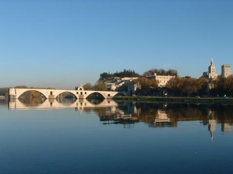 Pont Saint Bénézet - Pont d'Avignon By Chimigi CC BY-SA 2.0 via Wikimedia Commons