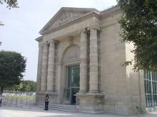 Musée de l'Orangerie By Homonihilis (Own work) CC BY-SA 3.0 via Wikimedia Commons