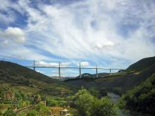 Le Viaduc de Millau Par Texaner CC BY-SA 3.0  via Wikimedia Commons