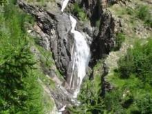 Dormillouse - Hautes-Alpes - Cascade sur le torrent de Chichin