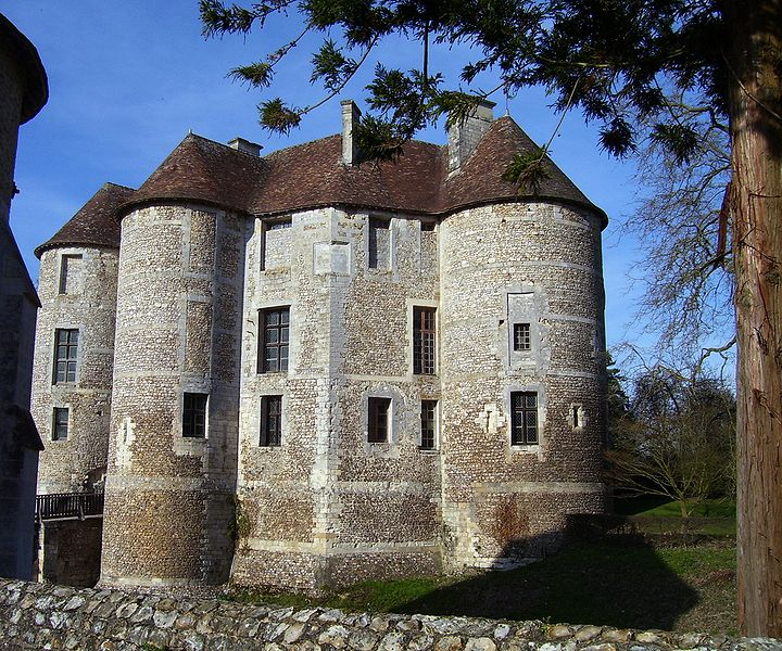 Domaine d'Harcourt By Stanzilla CC BY 3.0 via Wikimedia Commons