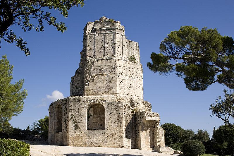 Tour Magne à Nîmes Par Culturespaces/C.Recoura (www.arenes-nimes.com) CC-BY-SA-3.0 via Wikimedia Commons