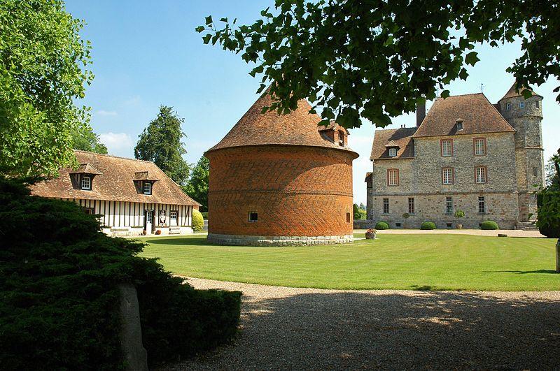 Château de Vascoeuil By isamiga76 CC BY 2.0 via Wikimedia Commons