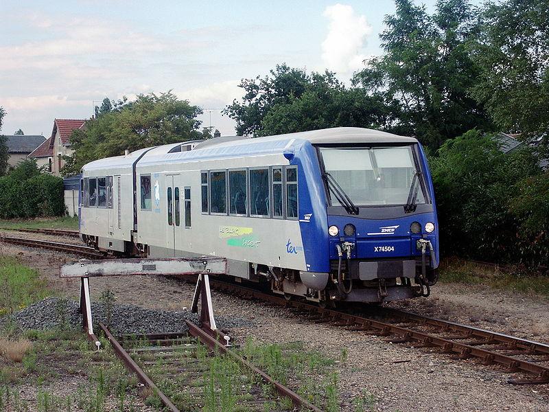 Train touristique du Blanc Argent By HeiNiev CC BY-SA 2.5-2.0-1.0 via Wikimedia Commons