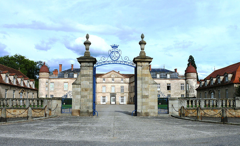 Château de Parentignat By MOSSOT CC BY 3.0 via Wikimedia Commons