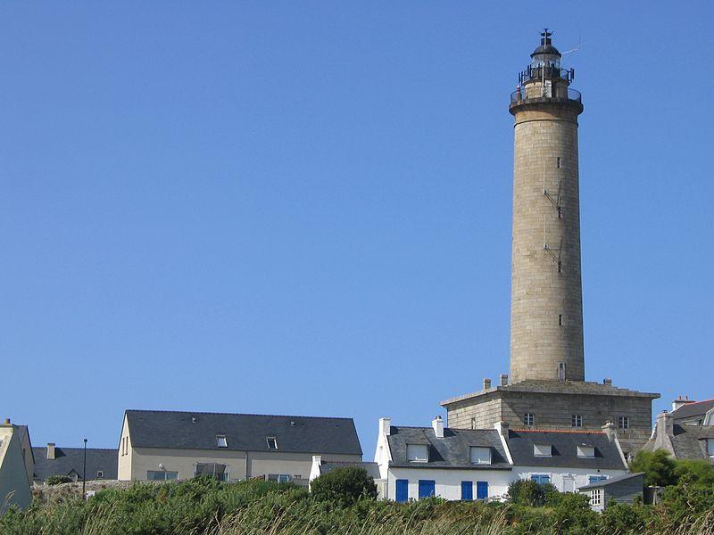Phare de l'Ile de Batz By Thesupermat CC BY-SA 3.0 via Wikimedia Commons