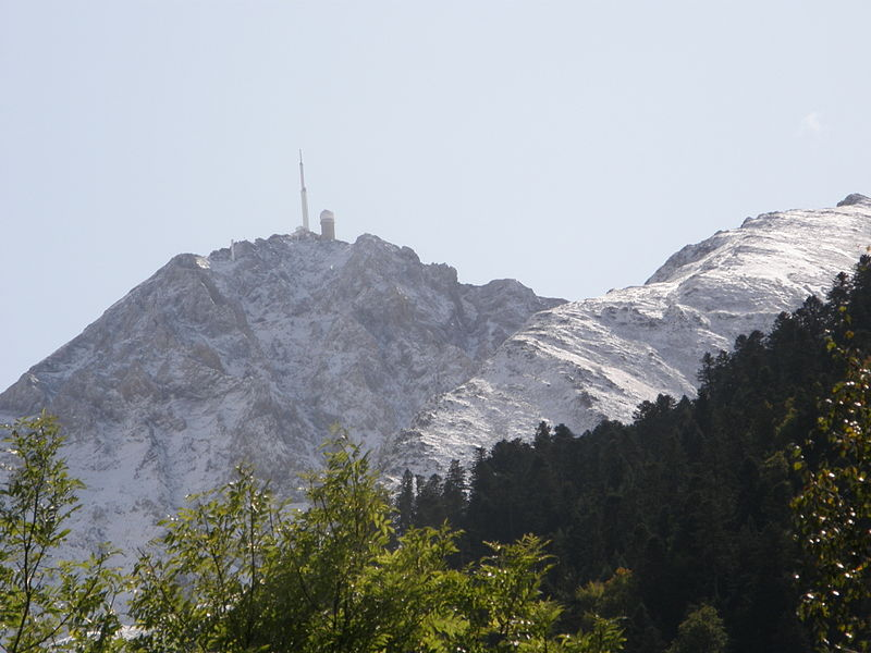 Le Pic du Midi de Bigorre Par Gerard from Tarbes CC BY-SA 2.0 , via Wikimedia Commons