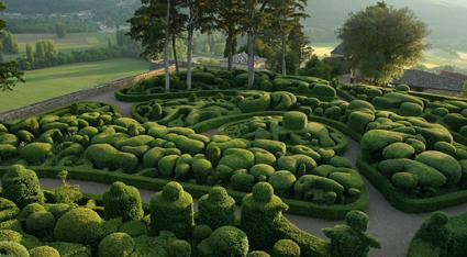 Les jardins de Marqueyssac By Lemoussu CC-BY-SA-3.0 via Wikimedia Commons
