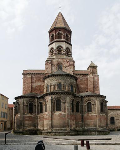 Basilique Saint-Julien By Marie-Lan Nguyen CC BY-SA 3.0 via Wikimedia Commons