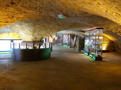 Caves de Roquefort Société Par Budotradan CC BY-SA 3.0 via Wikimedia Commons