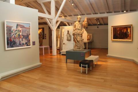 Musée Basque et Histoire de Bayonne By Léna (Own work) CC BY-SA 3.0 via Wikimedia Commons