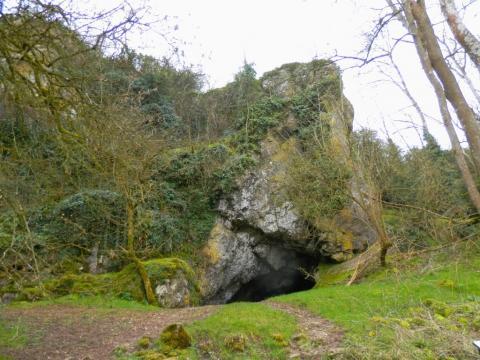 Grotte (canyon de Saulges)