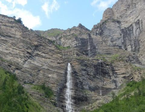 Cascade de la Pisse, proche du village Chateauroux-Les-Alpes
