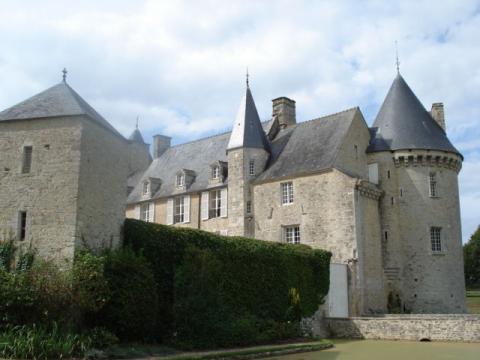 Château de Colombières By Mikemorrison via Wikimedia Commons