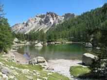 Lac Vert de Fontanalbe By Patrick Rouzet via Wikimedia Commons