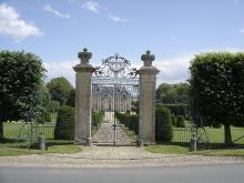 Château de Vendeuvre - Musée du mobilier miniature By Pimprenel (Own work) CC BY-SA 3.0via Wikimedia Commons